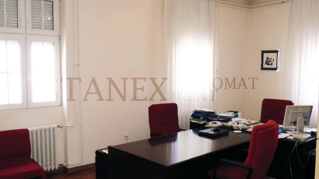 Commercial space with 5-10 offices Vracar Belgrade P040
