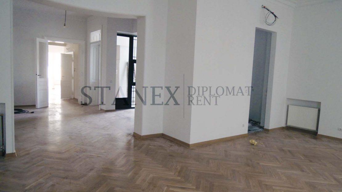 Six bedrooms house Center Belgrade K503