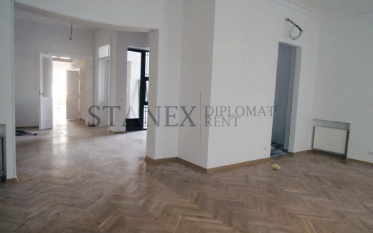 Six bedrooms house Center Belgrade K503
