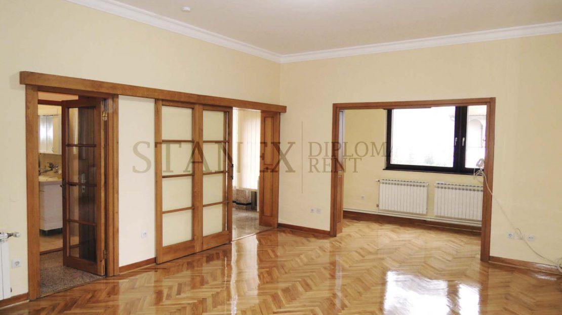 Three bedroom house Senjak Belgrade K400